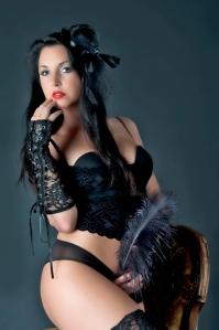 Für Burlesque Fotoshooting benötigt man ein paar typische Accessoires.